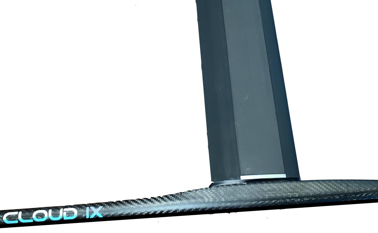 Cloud IX Carbon Mast